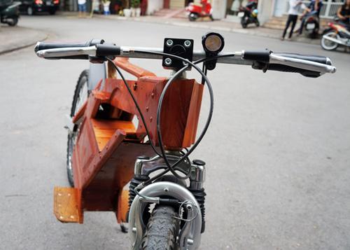 Dân chơi xe Hà Nội : Xe đạp điện tự chế bằng gỗ rất độc đáo 6