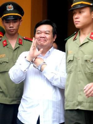 Pháp luật - 'Quan huyện' và nữ đại gia Sài Gòn ra tòa