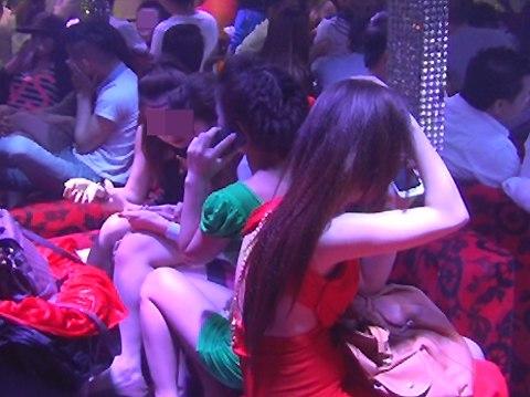 Pháp luật - Nhiều vũ trường nổi tiếng ở Sài Gòn bị 'sờ gáy' (Hình 3).