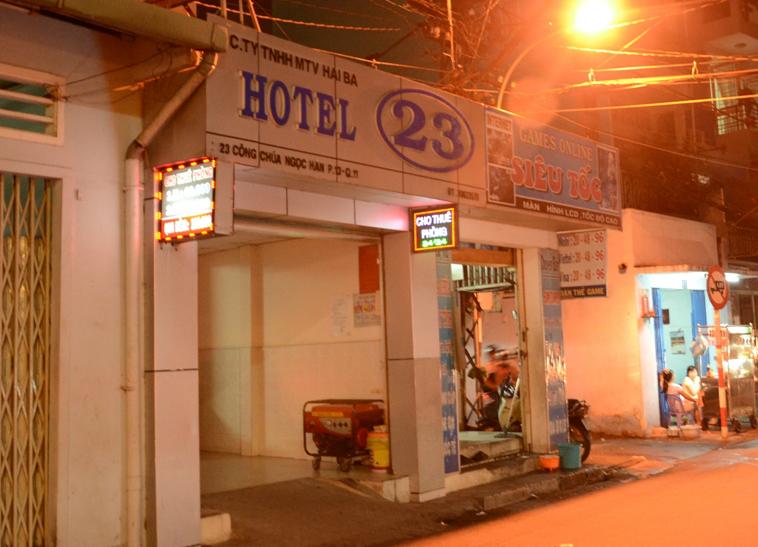 Nữ nhân viên đồng tính bị giết trong khách sạn - Ảnh 1