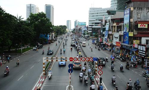Ngày 26/4/2012 là cầu vượt Láng Hạ - Thái Hà với 2 làn ôtô đi 2 chiều, dài 220 mét, mặt cắt ngang 12 mét, tổng kinh phí hơn 222 tỷ đồng.