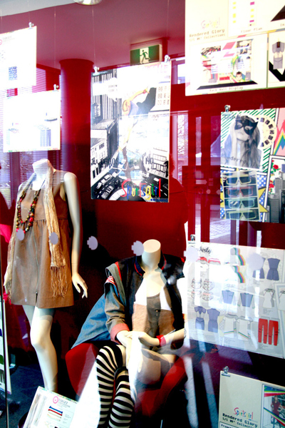 Giới trẻ chật vật kinh doanh thời trang - Ảnh 1