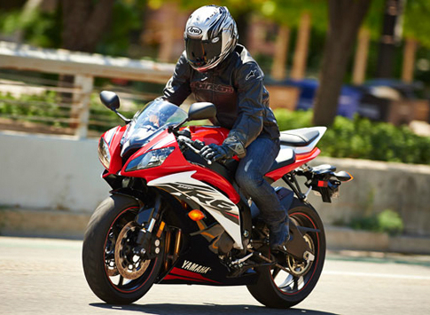 2014-Yamaha-R6-Red-Black-1378523177.jpg