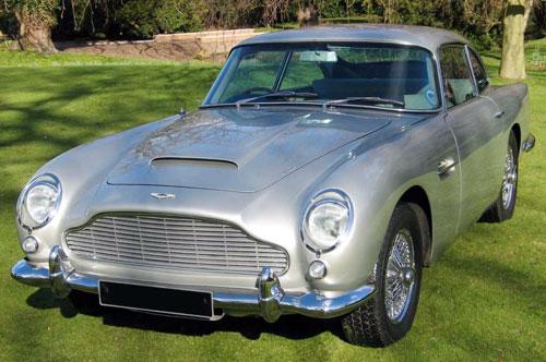 9-Aston-Martin-DB5.jpg