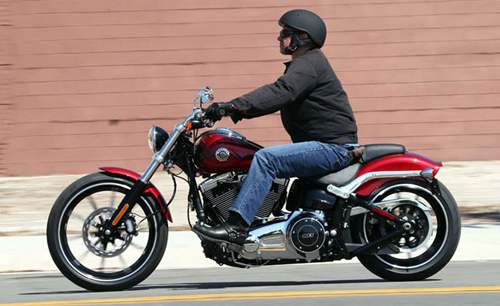 Harley-Davidson-Breakout-0909-8544-13788