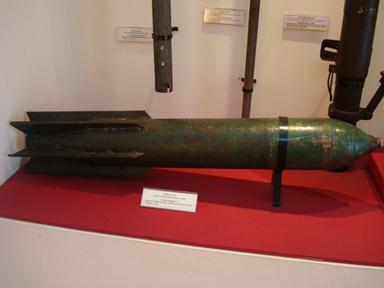 Bom bay do Quân giới Việt Nam sản xuất 3/1948.