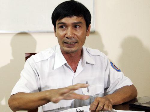 Ông Phạm Hiển, Giám đốc Trung tâm phối hợp tìm kiếm cứu nạn hàng hải khu vực 3 bác bỏ thông tin việc ngưng tìm kie6