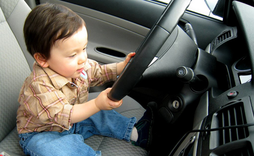 kid-driving-car-8515-1379481000.jpg