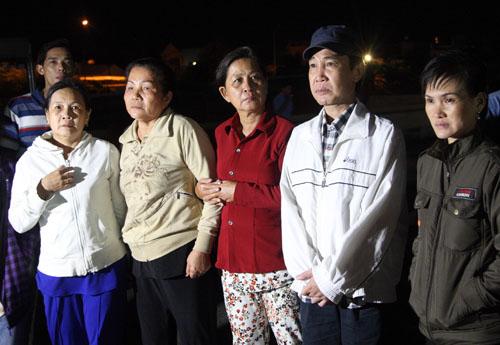 Gia đình bà Nguyễn Thị Bé, vợ nạn nhân Chung Đức Hùng, đã cùng gia đình từ Tiền Giang đón xe lên Vũng Tàu để nhận xác chồng.
