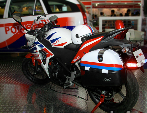 Honda-CBR-250R-Police-Model-re-5455-2462