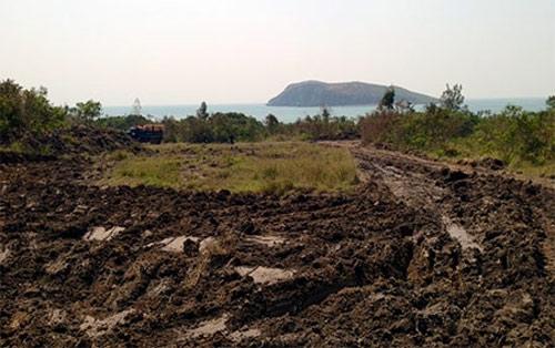 Bãi đỗ xe trong khu vực an táng dự kiến sẽ được hoàn thành vào ngày 12-10.