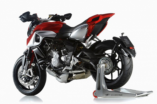 mv-agusta-rivale-800-out-for-open-day-ro