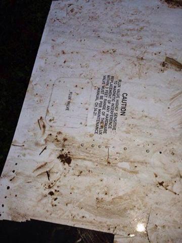 nguoi viet chet trong vu may bay roi o lao  Tai nạn máy bay ở Lào: Hình ảnh hiện trường trên sông Mekong 556000013621703 JPEG 5062 1381942499