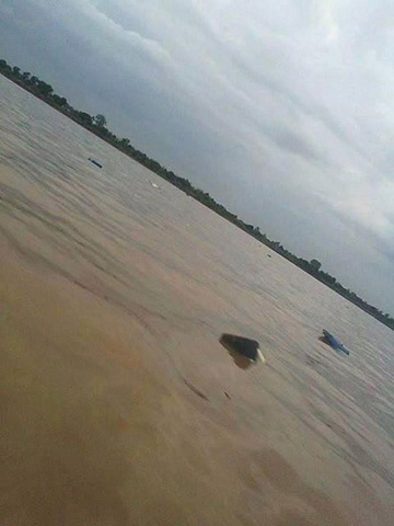 hinh anh vu tai nan may bay o lao | may bay roi tren song mekong  Tai nạn máy bay ở Lào: Hình ảnh hiện trường trên sông Mekong thaiday JPEG 6835 1381942499