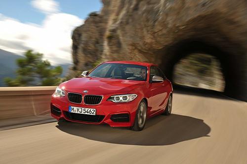BMW M235i chính thức ra mắt