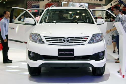 Xế độ chính hãng tại Việt Nam Motor Show 2013