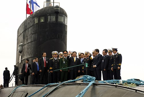 Tàu ngầm Việt Nam 'thay đổi cán cân quân sự' Biển Đông