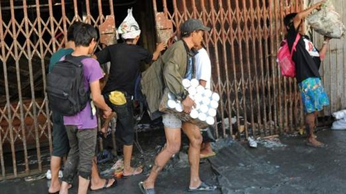nguyenlooters-at-gates-1-522x2-3727-1546