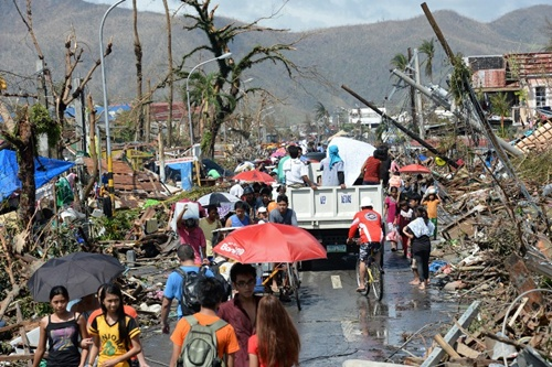 Gần 9,5 triệu người ở 41 tỉnh bị ảnh hưởng của bão Haiyan. Ảnh: AFP