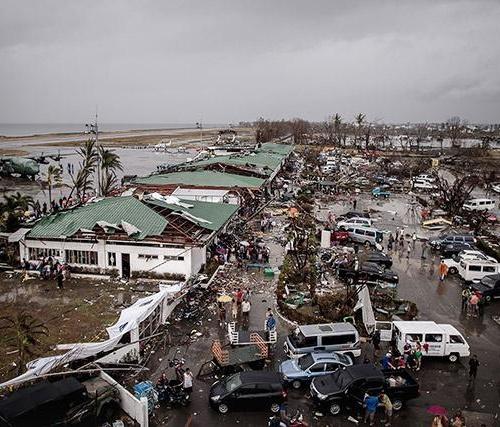 Philippines trước và sau siêu bão Haiyan