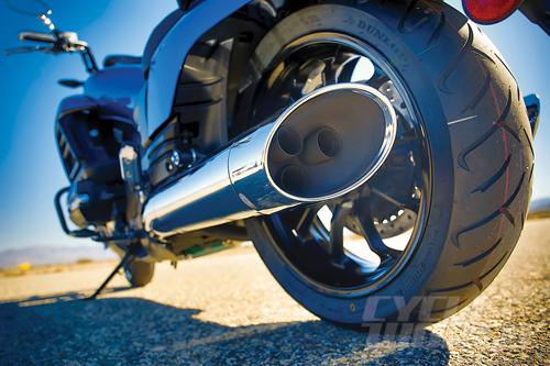 2014-Honda-Valkyrie-exhaust_1384943069.j