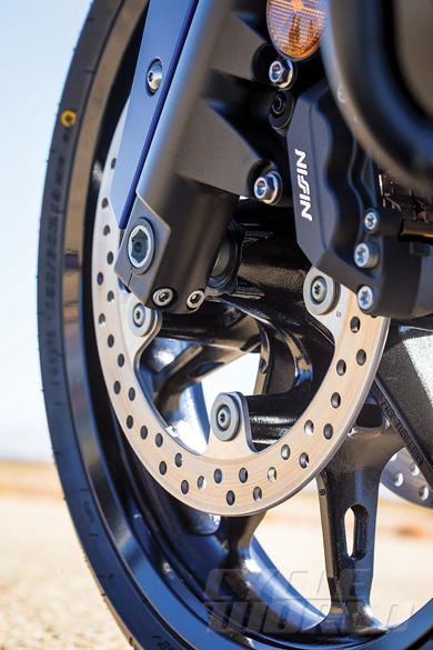 2014-Honda-Valkyrie-front-wheel.jpg