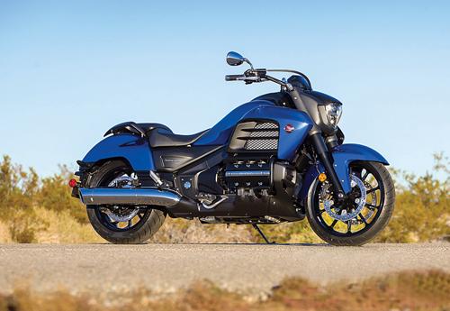 2014-Honda-Valkyrie-static-3-5029-138494