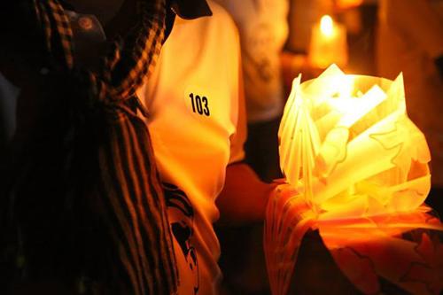 Anh Dương Danh Phận, vừa từ TP. HCM ra Quảng Bình tham gia buổi lễ. Anh mang chiếc áo có số thứ tự 103 đầy ý nghĩa.