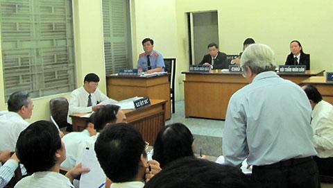 vu-kien-dai-hoc-hung-vuong-1720-13860817