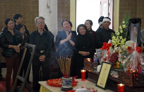 Dam-tang-chi-huyen-5-1331-1386234931.jpg