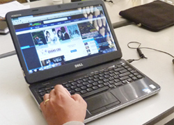 Chiêu kiếm tiền của các nghi phạm quản trị web 'đen'