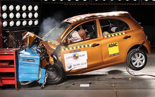 xe hơi vượt thử nghiệm an toàn, tính năng an toàn xe hơi