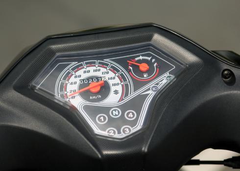 Suzuki-Axelo-2-1560-1388133033.jpg