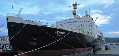 Tàu Lenin đã hoạt động hơn 30 năm, vượt tuổi thọ dự tính là 5 năm, đi được quãng đường 654.000 hải lý,  dẫn 3.741 tàu đi qua các lớp băng của vùng cực. Ảnh: Wikimedia