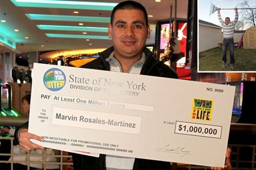 Marvin Rosales Martinez nhận giải thưởng một triệu USD. Ảnh: NYPost.