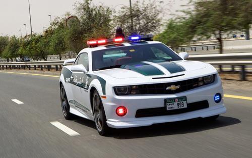 Những xe cảnh sát hấp dẫn và đắt tiền.