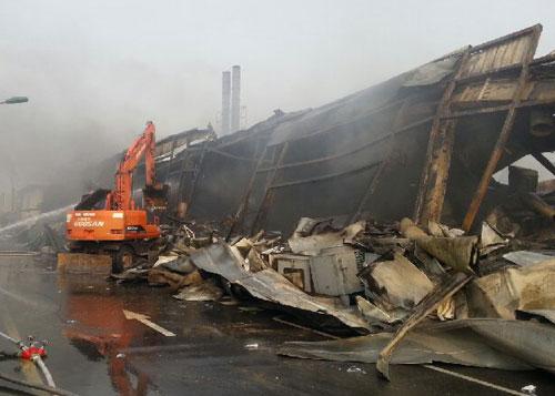 Cháy lớn tại khu công nghiệp Yên Phong