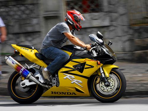 Honda-CBR954RR-Fireblade-9326-1389242934
