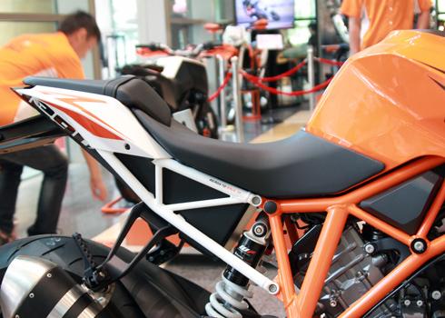 KTM-Duke-1290-11.jpg