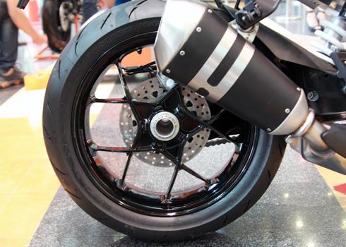 KTM-Duke-1290-12.jpg