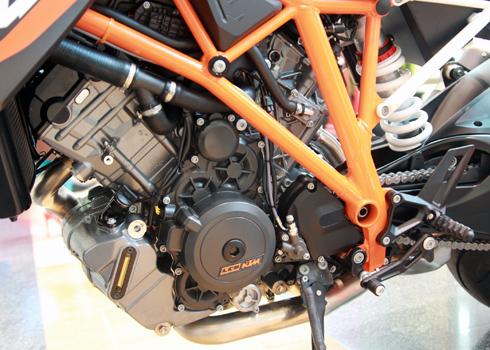 KTM-Duke-1290-6.jpg