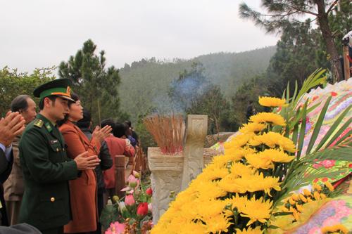 Nhieu-nguoi-den-thap-huong-3612-13894428