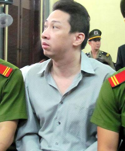Bị cáo Phạm Anh Tuấn, nguyên phó giám đốc Vietinbank chi nhánh Nhà Bè, đồng phạm tích cực của Như. Ảnh: Hải Duyên.