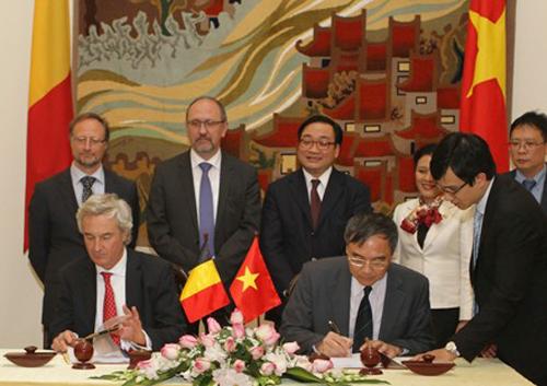 Bỉ chế tạo thêm vệ tinh viễn thám mới cho Việt Nam Kyket-2213-1390293349