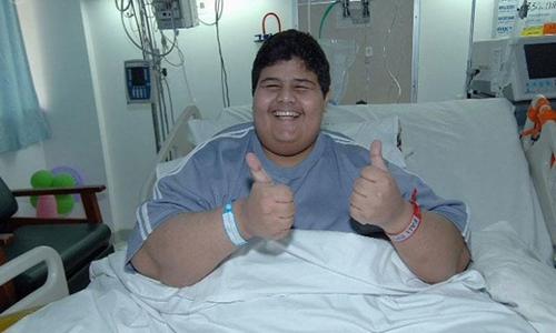 Shaari tươi cười tại bệnh viện sau khi giảm được 320 kg. Ảnh:Sayidaty