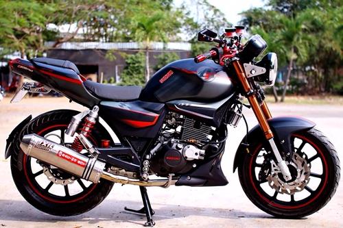 Suzuki-EN-150-A-1.jpg