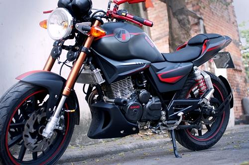 Suzuki-EN-150-A-8.jpg