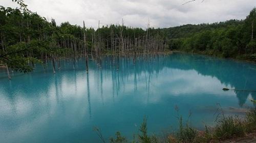 Blue-Pond-in-Hokkaido3-550x309-4638-1394