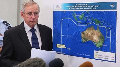 Ông John Young, lãnh đạoCơ quan An toàn Hàng hải Australia (AMSA) trong cuộc họp báo sáng nay tại Canberra. Ảnh: