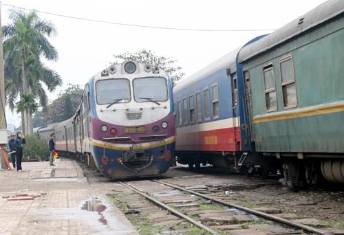 Bộ GTVT tạm đình chỉ hoạt động giám đốc Ban quản lý dự án đường sắt 15 ngày để điều tra, ngoài ra các dự án đường sắt cũng sẽ bị tạm dừng để kiểm tra. Ảnh: Bá Đô